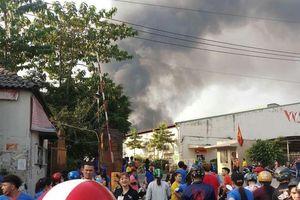 Công ty gỗ rộng 4.000 m2 bị lửa thiêu rụi ngày 28 Tết