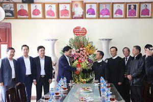 Chủ tịch Hà Nội Nguyễn Đức Chung chúc Tết giáo dân