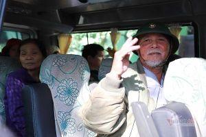 Trăm bệnh nhân mừng rơi nước mắt trên chuyến xe nghĩa tình ngày giáp Tết