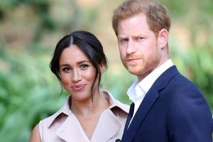 Hoàng tử Harry đến Canada để đoàn tụ cùng vợ và con trai