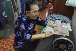 Bí quyết sống vui-khỏe-có ích của cụ bà gần 100 tuổi tại Malaysia