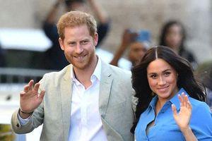 Meghan Markle tiếp tục bôi nhọ gia đình chồng trong khi Công nương Kate lại có 'nước cờ' cao tay hơn