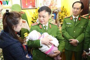 Bộ Tư lệnh CSCĐ trao gần 4 tỷ đồng cho thân nhân 3 liệt sĩ vụ Đồng Tâm