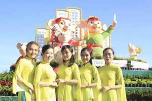 Bình Định: Khánh thành linh vật 'Gia đình nhà chuột đi hội Bài chòi'