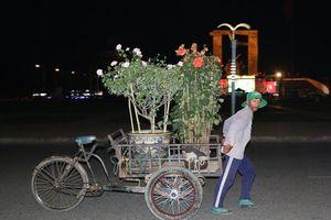 Ninh Thuận: 29 Tết, phố phường tất bật những công việc cuối cùng
