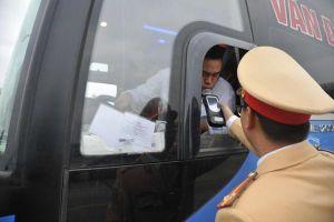 Cảnh sát giao thông duy trì xử lý vi phạm nồng độ cồn trong 7 ngày Tết