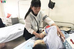 Bệnh viện ngày Tết: Nụ cười trẻ nhỏ sáng bừng hy vọng mới