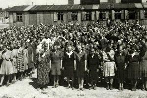 Ảnh màu hiếm lột tả sự tàn bạo trong trại tập trung của Đức Quốc xã