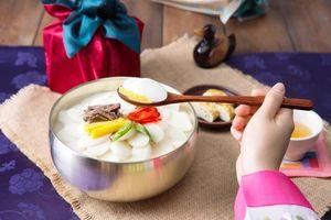 Món ăn nào mang lại may mắn vào dịp năm mới?