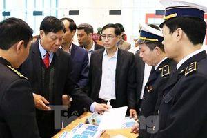 Thứ trưởng Bộ Y tế kiểm tra công tác phòng, chống dịch viêm phổi cấp ở biên giới