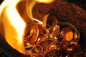 Nhà đầu tư mua mạnh vàng khi dịch bệnh bùng phát
