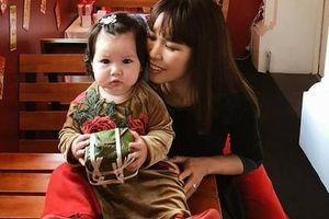 Siêu mẫu Hà Anh: 'Ông xã vẫn được ông bà tôi mừng tuổi ngày Tết'