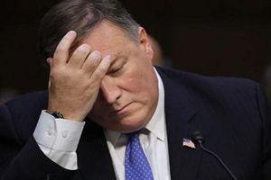 Vì sao Ngoại trưởng Mỹ bức bối lườm...nữ phóng viên?