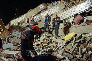 Thổ Nhĩ Kỳ nỗ lực giải cứu nạn nhân trong trận động đất
