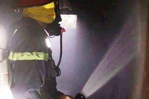 Thắp hương ngày Tết, cụ bà 80 tuổi kẹt trong đám cháy nhà 2 tầng