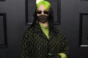 Sao ăn mặc kỳ quái, bịt khẩu trang kín mít lên thảm đỏ Grammys 2020