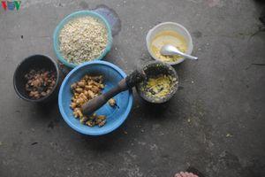Đến Hà Giang thưởng thức món Tẩu Khía của người Mông