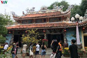 Gần 40.000 lượt khách đến tham quan Ngũ Hành Sơn, Đà Nẵng dịp Tết