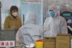 Số người nhiễm virus bùng nổ, dân Vũ Hán bị kỳ thị khắp Trung Quốc