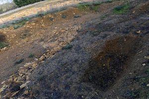 Phát hiện 42 thi thể bị trói quặt tay ra sau lưng trong trang trại cũ
