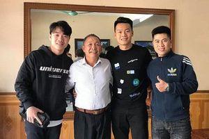 Lương Xuân Trường thăm thầy cũ trước ngày trở về Hàn Quốc