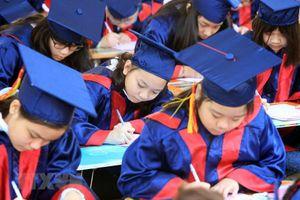 Học sinh khai bút thể hiện ước mơ về Hải Phòng trong tương lai