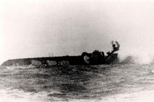 Những hình ảnh lịch sử 'gây sốc' về hải chiến Anh - Argentina 1982 (Phần 2)