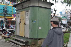 Hàng loạt nhà vệ sinh công cộng dọc sông Hàn bị khóa cửa, xuống cấp