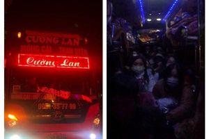 Hà Nội: Gần 80 hành khách bị 'nhồi' trên xe 47 chỗ