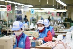 Doanh nghiệp dệt may khẩn trương sản xuất khẩu trang, chung tay đẩy lùi dịch nCoV