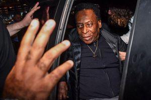 Huyền thoại Pele không dám ra ngoài vì sức khỏe yếu