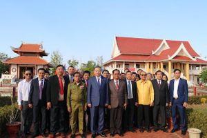 Đoàn đại biểu Bộ Công an thăm nơi Bác Hồ từng sống tại Lào