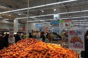 Rau xanh, thực phẩm đầy ắp tại các siêu thị lớn