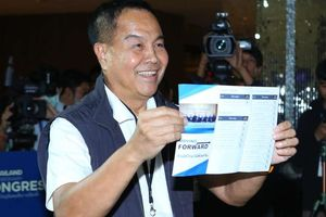 Chủ tịch LĐBĐ Thái Lan vững ghế dù nhiều lần bị chỉ trích