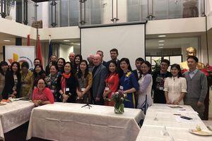 Đoàn nữ doanh nhân Việt Nam thăm làm việc tại Hà Lan