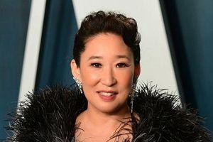 Sandra Oh diện đầm Công Trí, nổi bật trong sự kiện hậu Oscar 2020