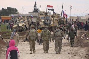 Đoàn binh sĩ Mỹ 'chệch đường' bị dân địa phương ném đá, quân đội Nga giải cứu