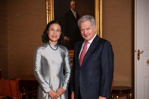 Nữ Đại sứ Việt Nam trình Thư ủy nhiệm lên Tổng thống Phần Lan