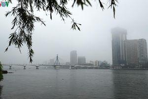 Đà Nẵng bất ngờ ngập trong sương mù