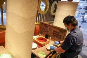 Chuỗi nhà hàng lẩu lớn nhất Hong Kong đóng cửa vì Covid-19