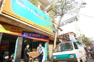 Hình ảnh xúc động về 'chiến binh' quả cảm kết nối hàng hóa xuyên vùng tâm dịch Sơn Lôi