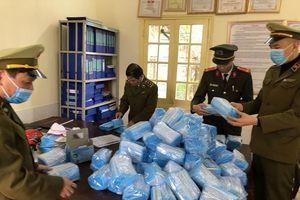 Phát hiện 85.000 khẩu trang vô chủ ở Lào Cai