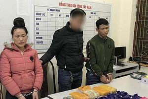 Sơn La: Bắt quả tang đôi nam nữ mua bán 32.000 viên ma túy, 1 bánh heroin