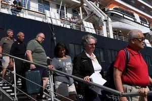 Tàu Westerdam truy tìm tất cả du khách sau ca nhiễm COVID-19