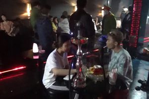 Kiểm tra quán bar ở Đà Lạt, phát hiện khách và nhân viên dương tính với ma túy