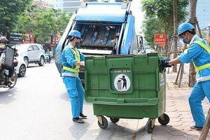 Đảm bảo vệ sinh môi trường phục vụ các hoạt động kỷ niệm 90 năm Ngày thành lập Đảng bộ Thành phố Hà Nội