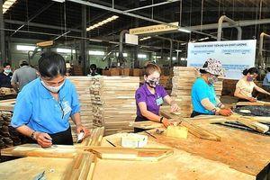 Ngành gỗ: Chuyển hướng sản xuất