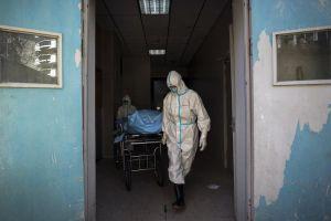 Ngày 17/2, số người chết tiếp tục giảm, hơn 1.000 ca nhiễm Covid-19 khỏi bệnh