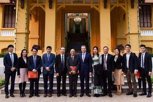 Thứ trưởng Ngoại giao Đặng Minh Khôi tiếp Hiệp hội doanh nhân Việt Nam ở nước ngoài