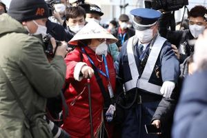 Nhật Bản cho phép hành khách lên bờ sau khi tàu Diamond Princess hết thời hạn cách ly